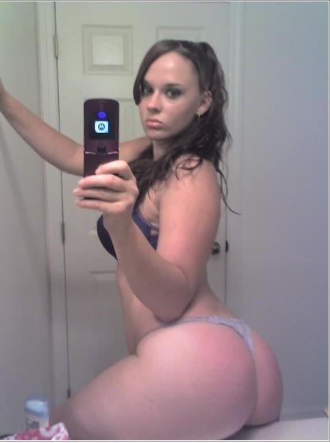 Селфи голых милашек в зеркалах из Твиттера 7 фото