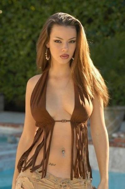 Сексапильные модели в нижнем белье и бикини 20 фото