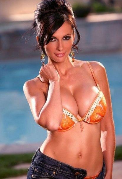 Сексапильные модели в нижнем белье и бикини 12 фото