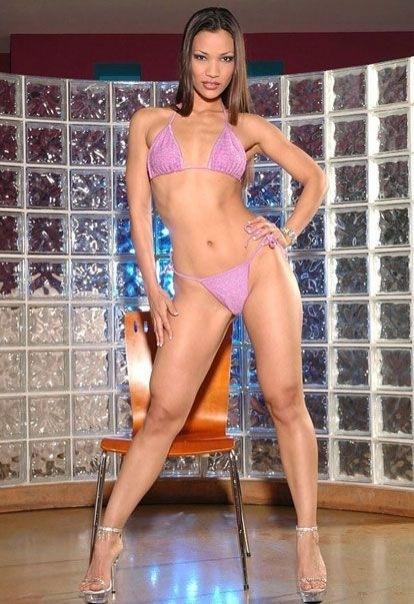 Сексапильные модели в нижнем белье и бикини 14 фото
