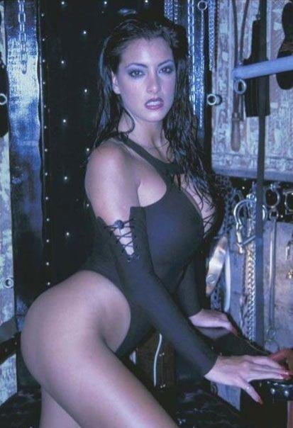Сексапильные модели в нижнем белье и бикини 25 фото