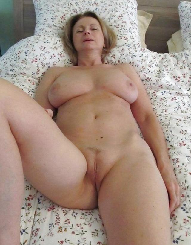 Парень опубликовал коллекцию голых любовниц за 45 15 фото
