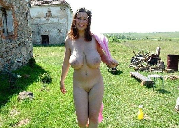 Мамочки с большой грудью откровенно позируют без одежды 4 фото