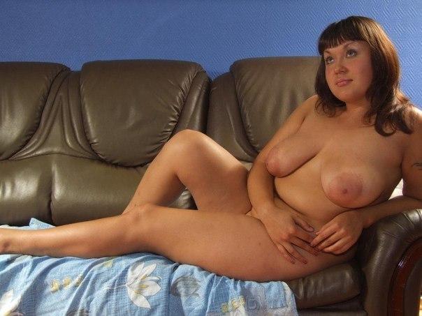 Мамочки с большой грудью откровенно позируют без одежды 27 фото