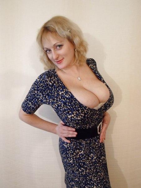 Мамочки с большой грудью откровенно позируют без одежды 23 фото