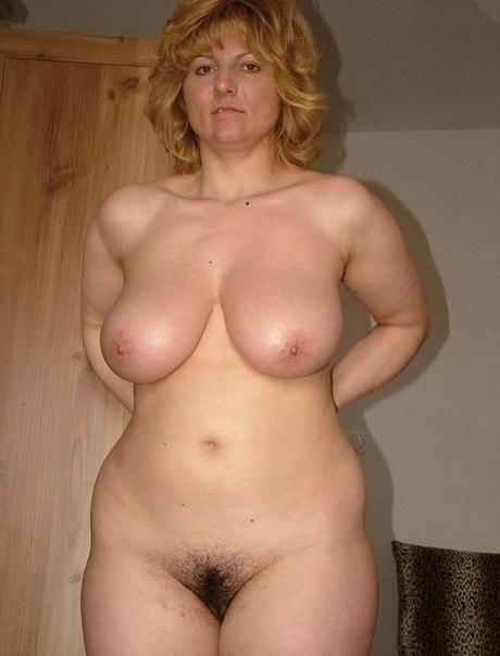 Зрелые давалки раскрывают свои вагины 15 фото