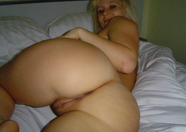 Зрелые давалки раскрывают свои вагины 2 фото