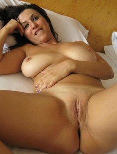 Мамы одиночки привлекают мужиков голыми телами
