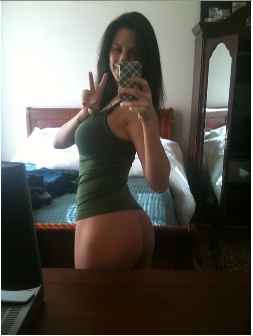 Откровения молодых девушек перед зеркалом 12 фото