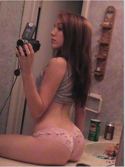 Откровения молодых девушек перед зеркалом 13 фото