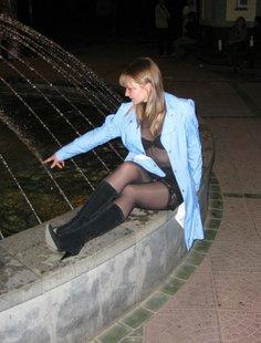 Ночная прогулка с эксгибиционисткой по улице