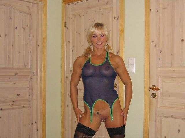 Мускулистая американка примерила прозрачный купальник 8 фото