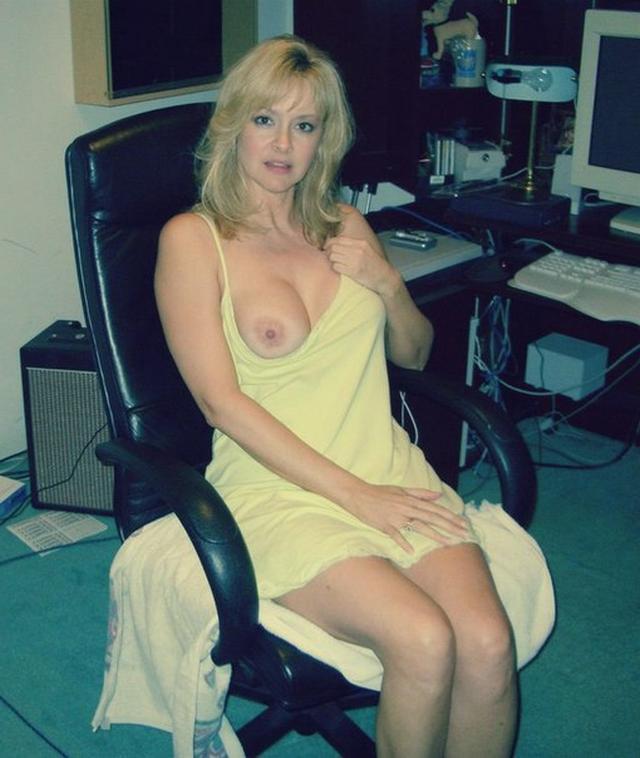 Русские мамочки раздеваются для своих мужиков 5 фото