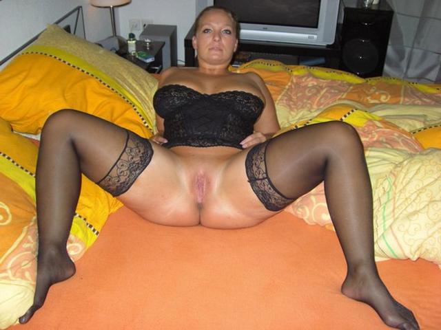 Голые мамаши с большими дойками и попками 28 фото