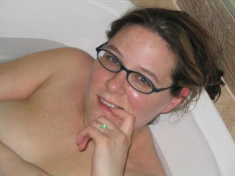 Беременная принимает ванную 15 фото