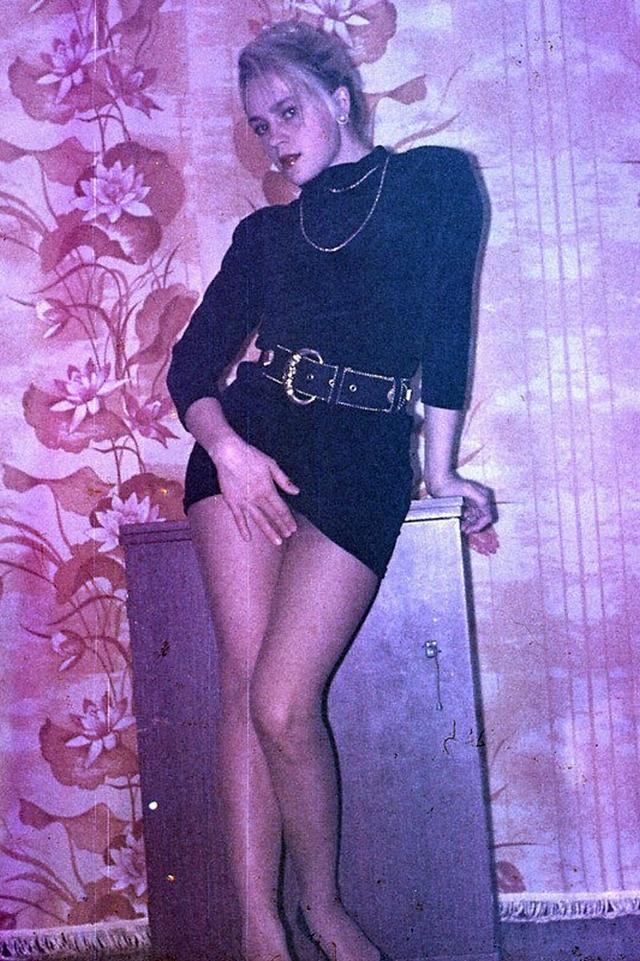 Ретро снимки блондинки из СССР с волосатой писей 16 фото
