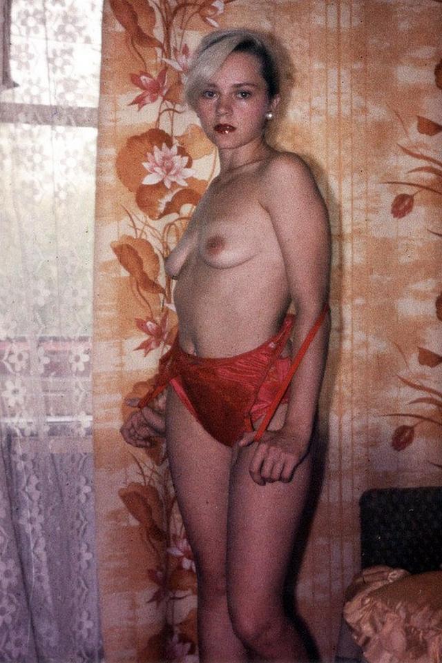 Ретро снимки блондинки из СССР с волосатой писей 17 фото