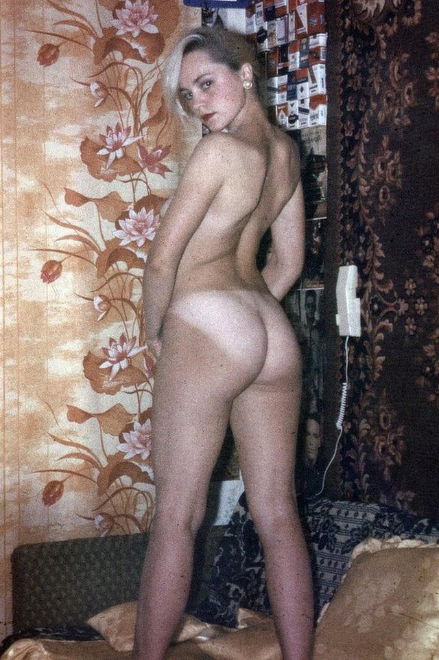Ретро снимки блондинки из СССР с волосатой писей 23 фото