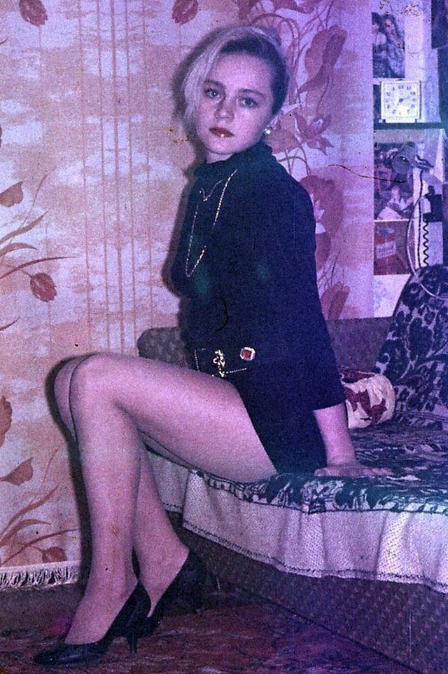 Ретро снимки блондинки из СССР с волосатой писей 22 фото