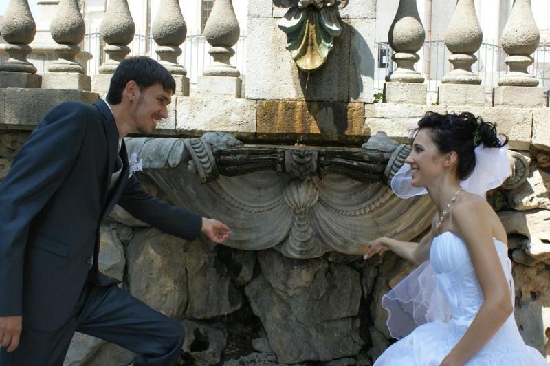 Первая брачная ночь молодожен после ЗАГСа 2 фото