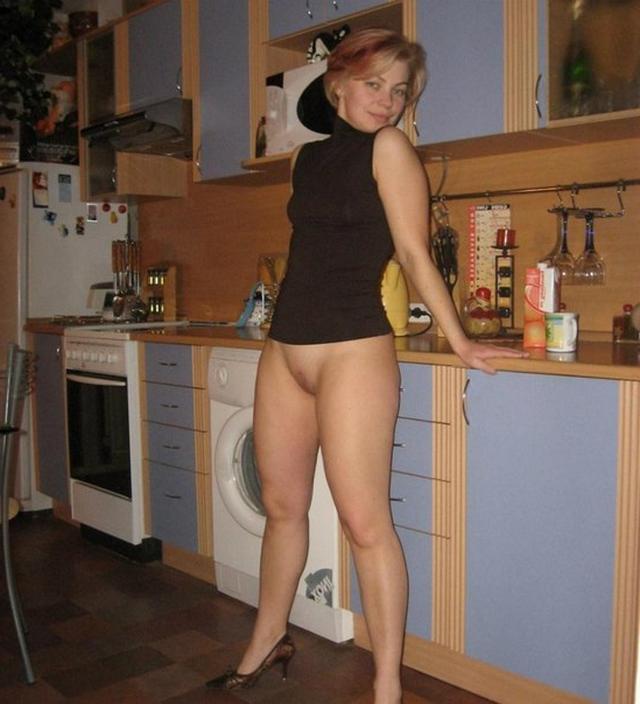 Пошлые мамочки из России оголяют большие титьки и попки 23 фото