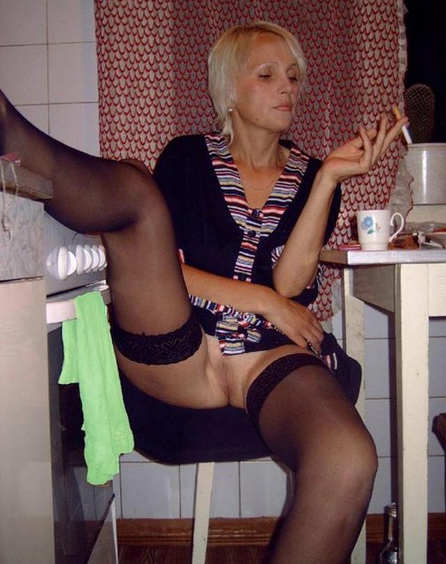 Пошлые мамочки из России оголяют большие титьки и попки 44 фото