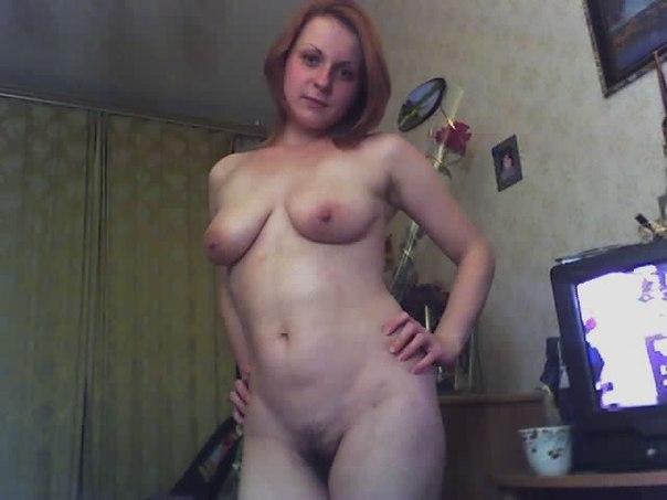Русские жены позирую голым в домашней обстановке 21 фото