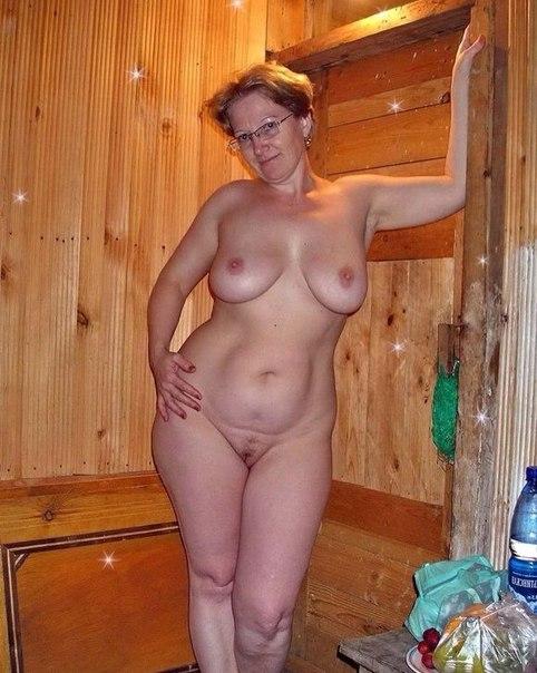 Зрелые красотки демонстрируют большие груди 3 фото