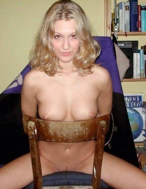 Зрелые красотки демонстрируют большие груди 2 фото