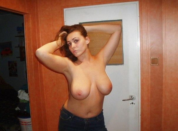 Зрелые красотки демонстрируют большие груди 25 фото