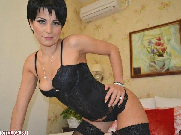 Большегрудые итальянки за 35 оголяются перед камерой 29 фото