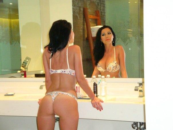 Сборник голых жен и в нижнем белье 13 фото