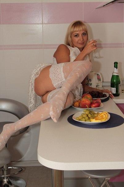 Сборник голых жен и в нижнем белье 24 фото
