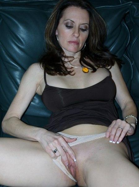 Подборка домашней обнаженки с женщинами за 30 4 фото