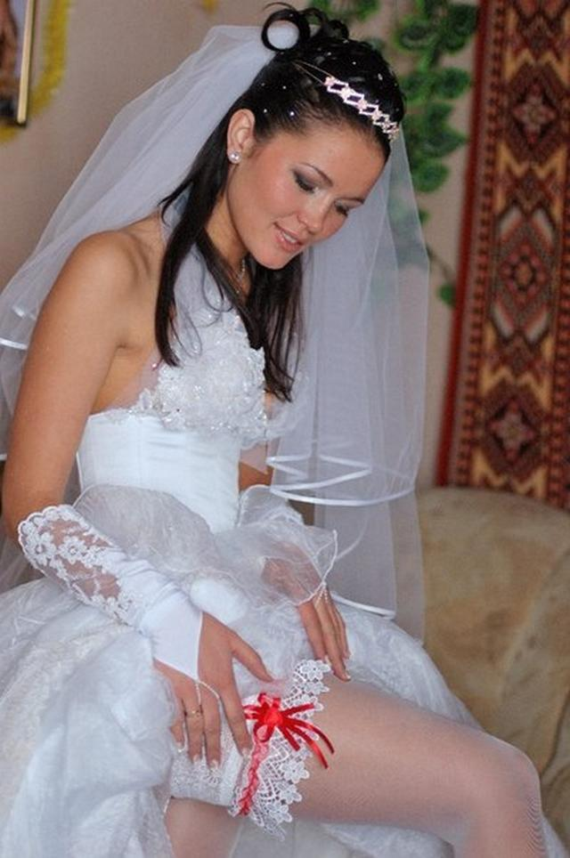 В сеть случайно попали подробности медового месяца молодоженов 11 фото
