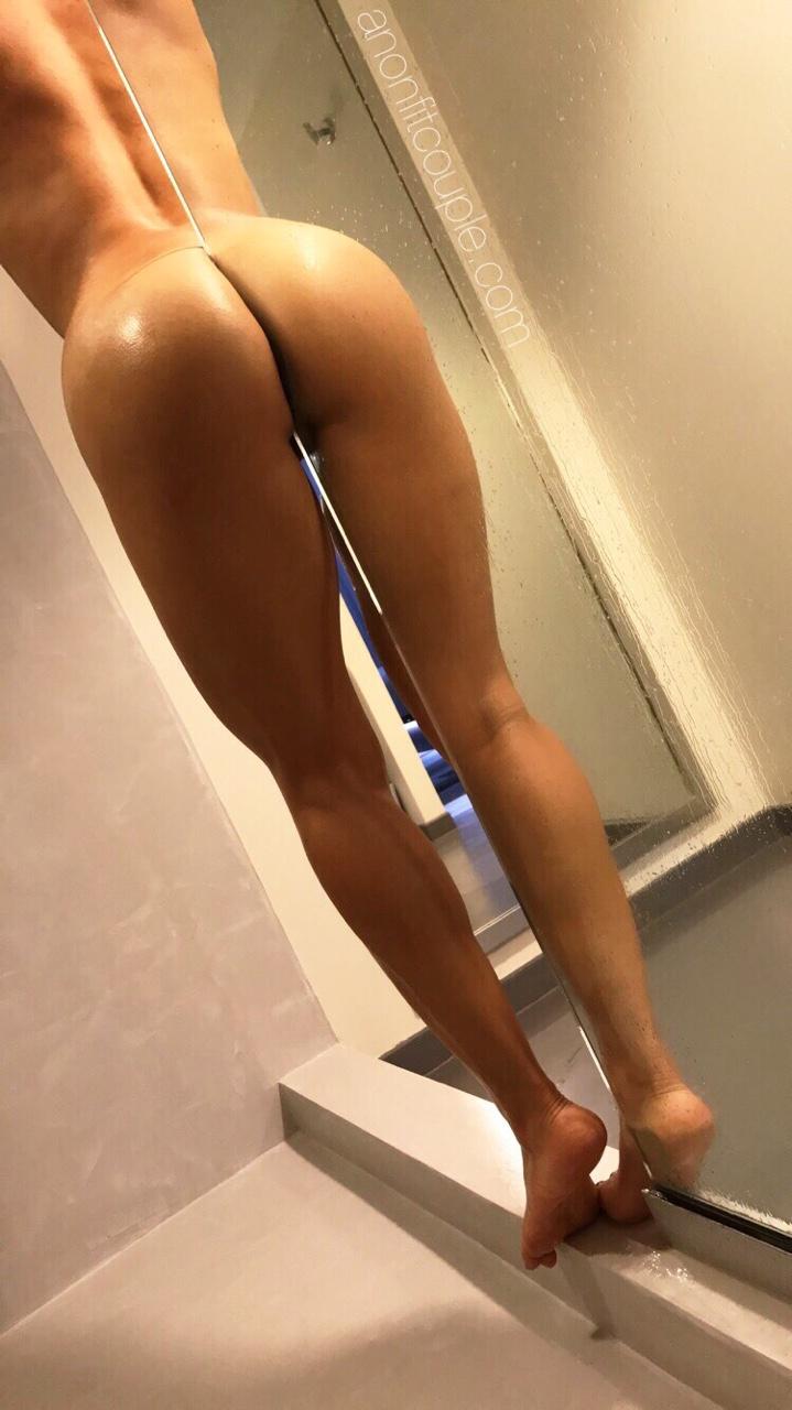 Оголенные сучки с анальной пробкой в жопах 17 фото