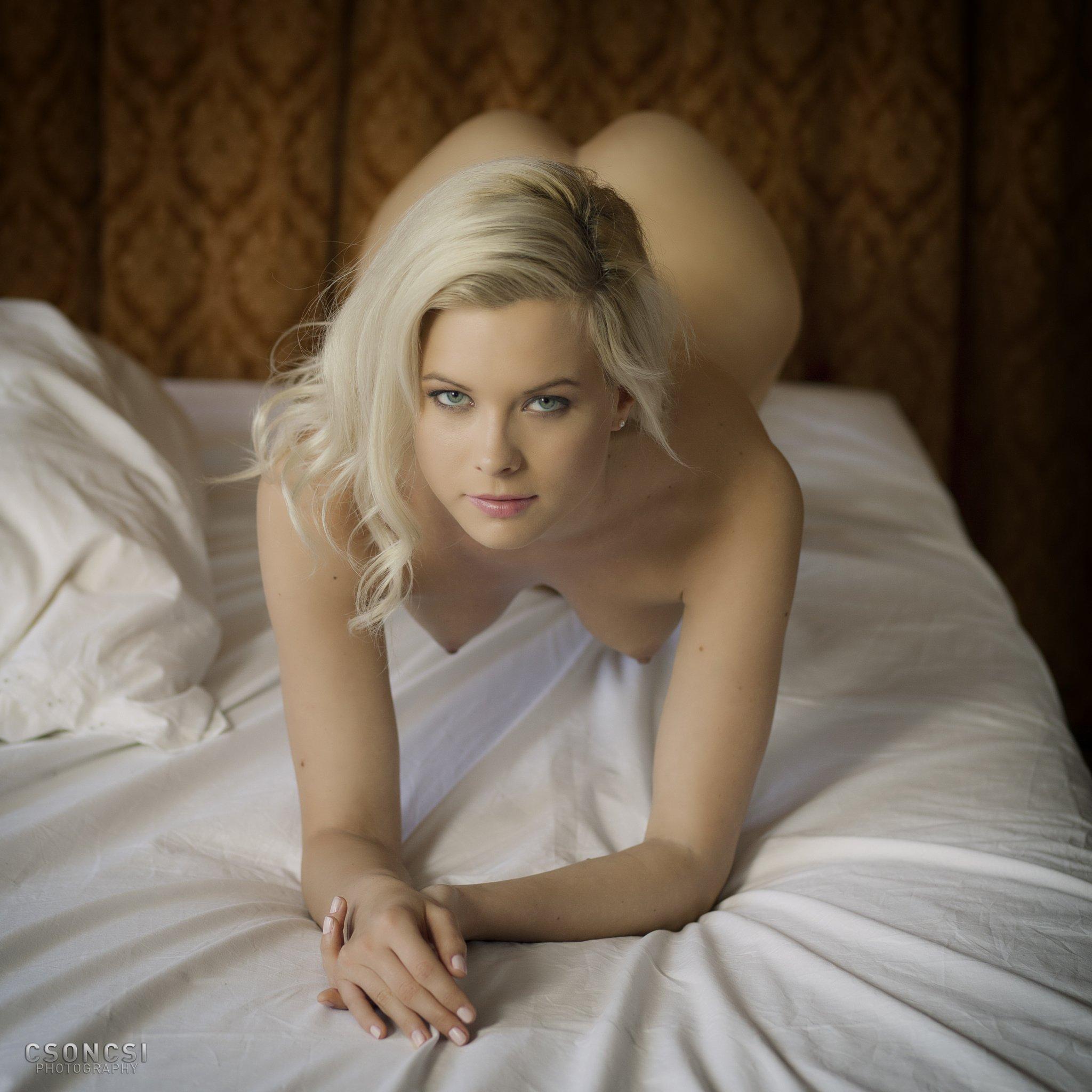 Красивая эротика с молодыми эро-моделями 6 фото