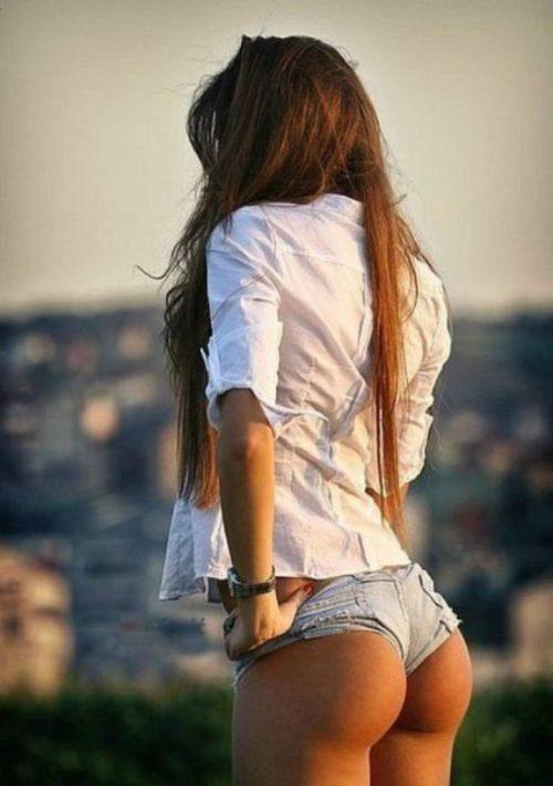Красивые попки девушек в коротких шортах 2 фото