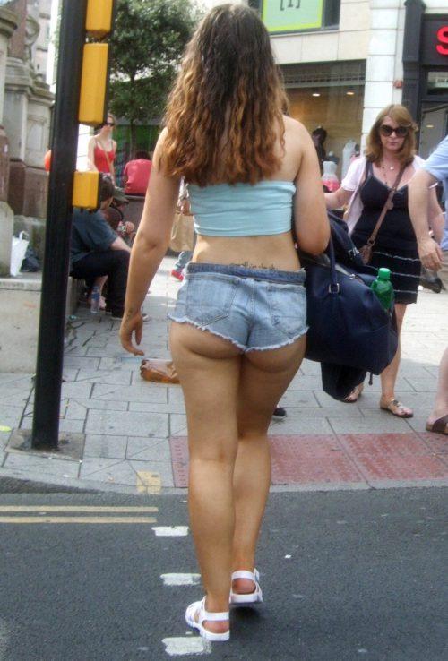 Красивые попки девушек в коротких шортах 12 фото