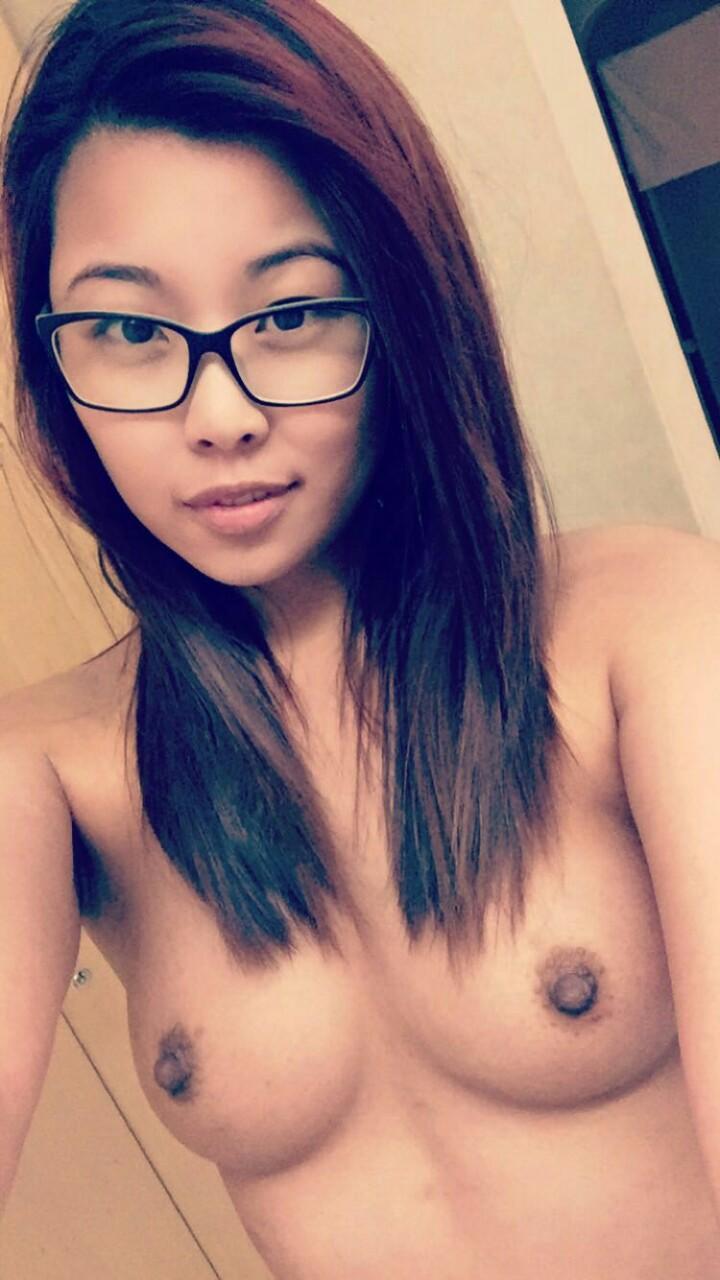 Частная подборка красивых азиаток из соцсетей 13 фото
