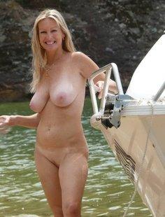 Большие сиськи женщин старше 30 лет